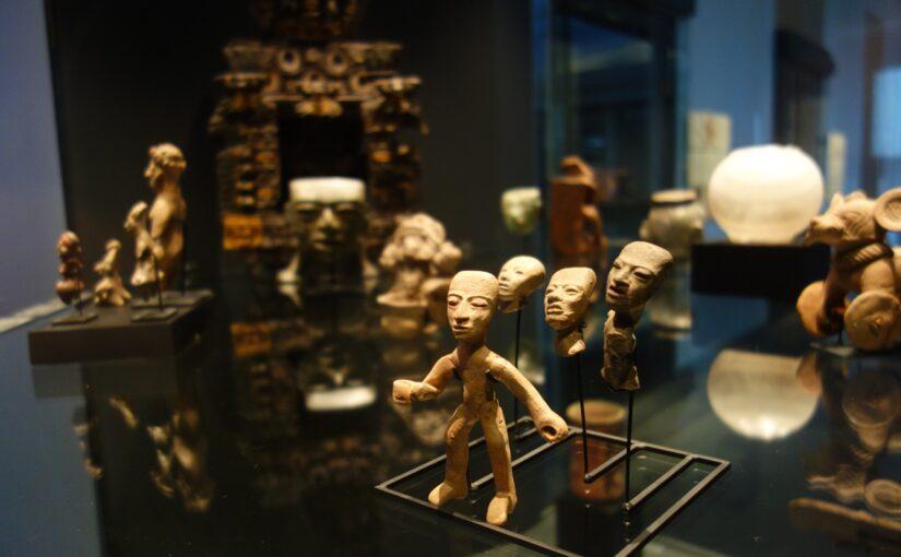 La muséographie comme expérience ou l'exposition réenchantée: subversion dans la théâtralité des collections préhispaniques.